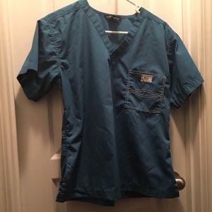 Blue Sky Scrub Top Caribbean blue size Medium.